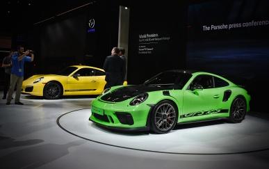 Porsche GT3RS w/ Weissach Package (front), 911 (behind)
